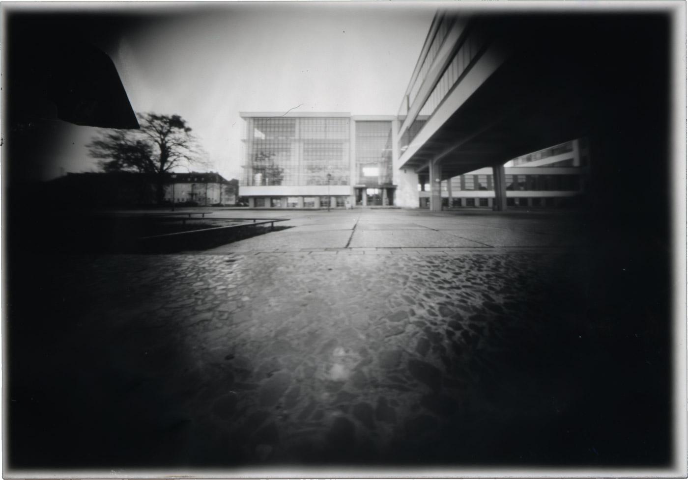 Camera Obscura - das Bauhaus Dessau als Fotomotiv für experimentelle Fotografie