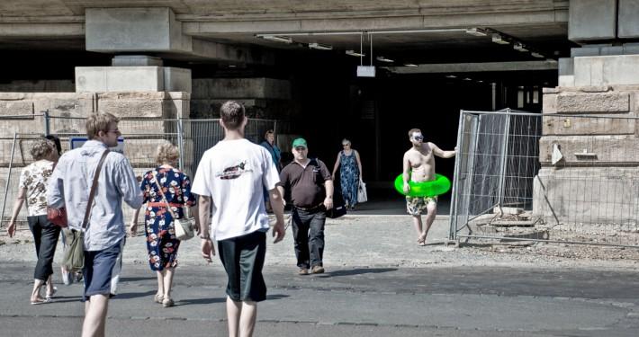 Fotografie zum Thema Fernweh am Dresdner Hauptbahnhof