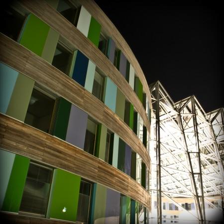 Der Eingang des UBAs als Langzeitfotografie